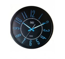 שעון קיר שחור ספרות זוהרות בחשיכה באופן אוטומטי